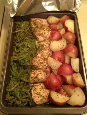 baked-chicken-green-beans-and-red-p